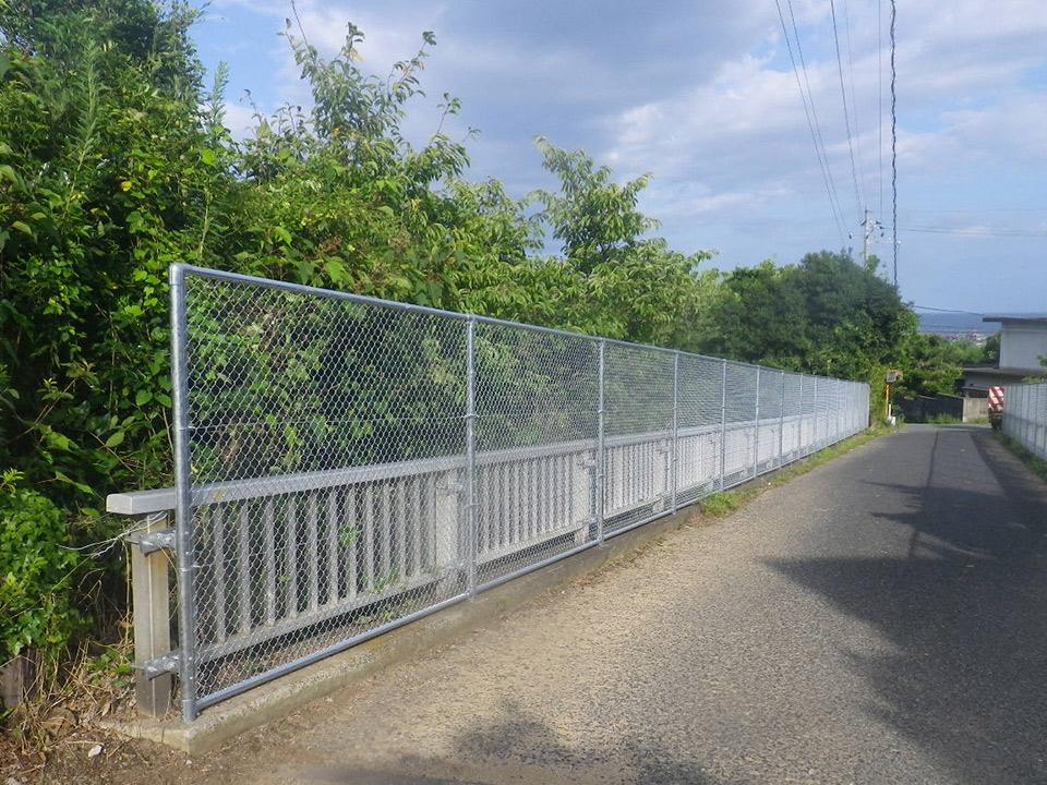 スチール製フェンス